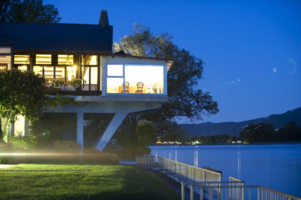 esterno-notte-1-lr-1024x681 Lo chef Marco Sacco dal 1 giugno riapre i ristoranti Piccolo Lago e Piano 35